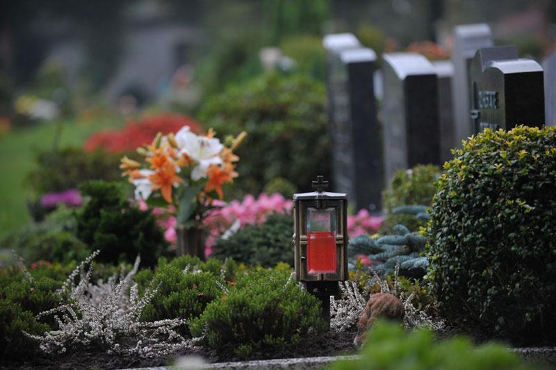 Grabpflege - Faller Gartenbau - St. Märgen